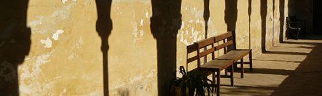 Ombres del claustre de Sant Jeroni de la Murtra de Badalona.
