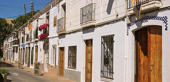 Cases de cós al carrer dels Balcons de Vilassar de Mar.