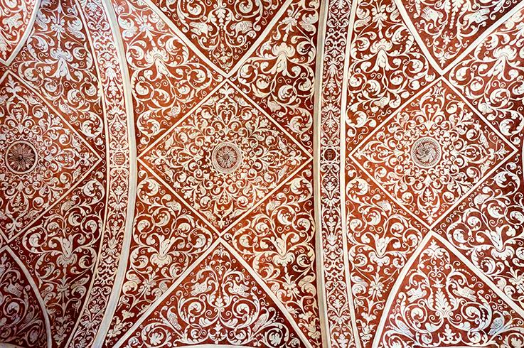 Esgrafiats del sostre de l'església de Sant Mateu de Riudecanyes.
