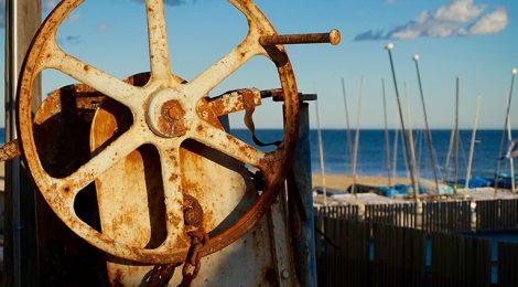 Maquinària al port de pescadors.