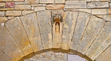 Portal de Santa Maria de Conesa.