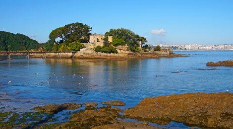 L'Illa do Castelo a Santa Cruz.
