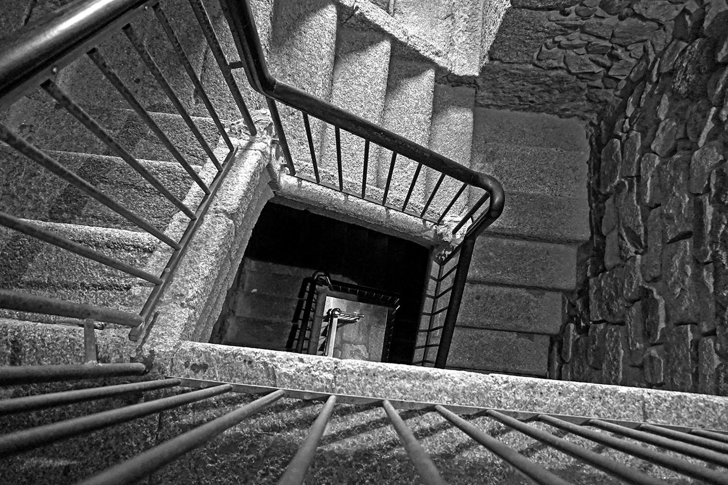 Escales dins la Torre de Hércules. Quart itinerari per A Coruña