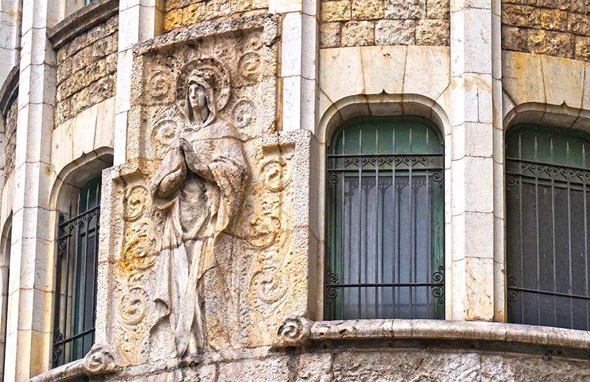 La Caixa. Carrer Jonqueres. Barcelona