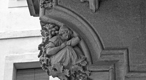 Mènsula del balcó de la Casa Martí.