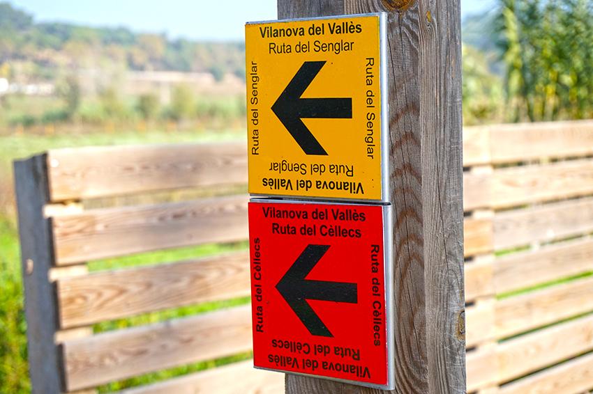 Indicadors de rutes. Itinerari pel Mogent. Vilanova del Vallès. Vallès Oriental