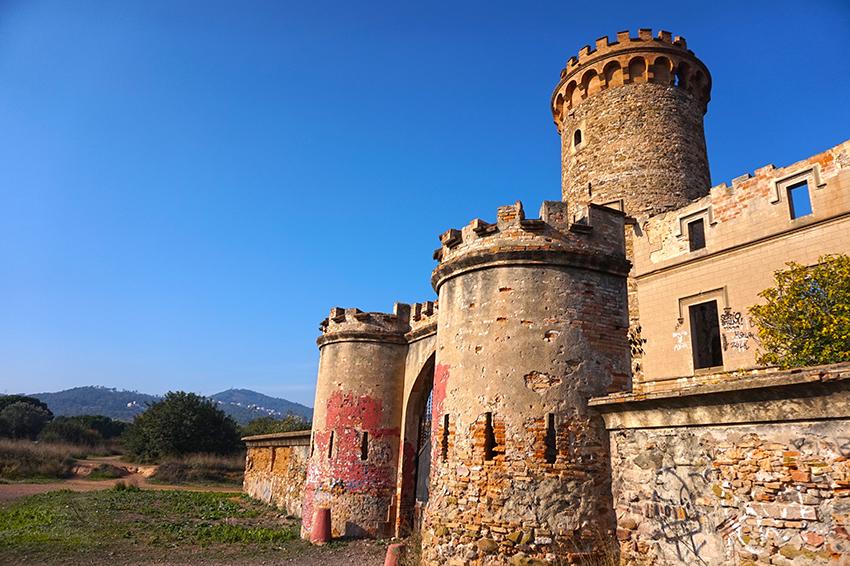 La degradació de la Torre Salvana. Santa Coloma de Cervelló. Baix Llobregat
