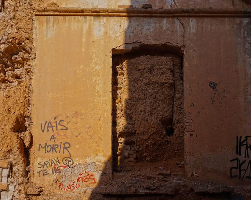 Porta tapiada. Santa Coloma de Cervelló. Baix Llobregat