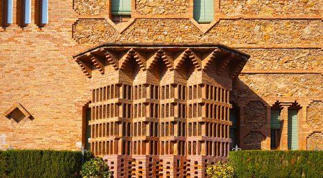 Colònia Güell. Santa Coloma de Cervelló. Baix Llobregat