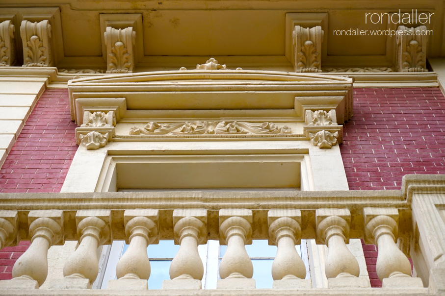 Balcó de Can Tinturé. Esplugues de Llobregat. Baix Llobregat