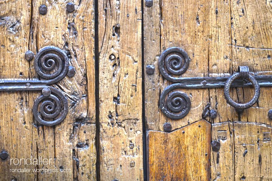 Detall de la porta del Conventet del Monestir de Pedralbes