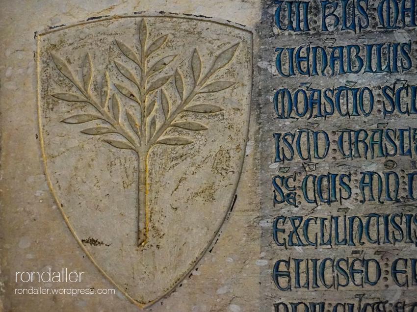 Escut de Subirana d'Olzet. Més heràldica al monestir de Pedralbes