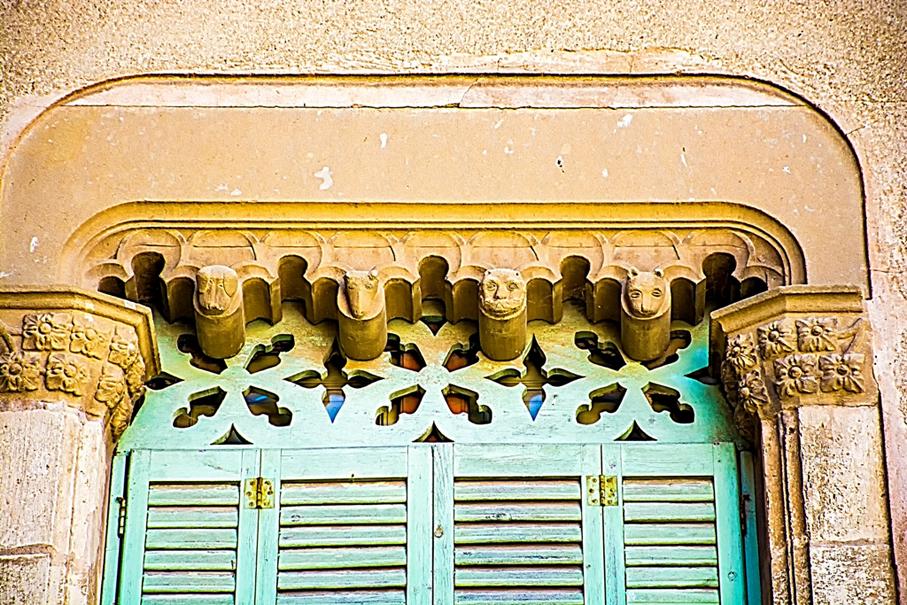 Finestra gòtica a Can Domingo. Primer itinerari per Centelles