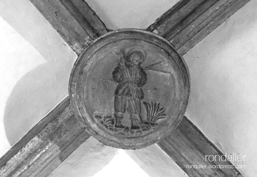 Clau de volta dins l'església de Santa Pau. Garrotxa