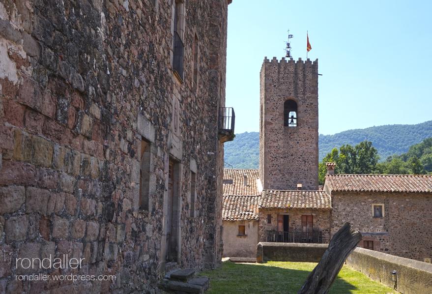 Campanar de l'església de Santa Pau. Garrotxa