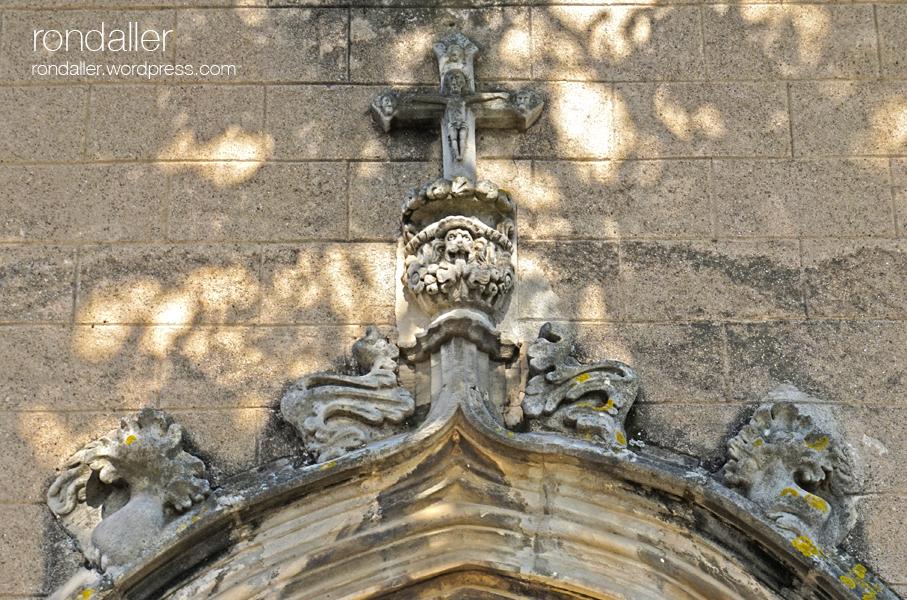 Sant Julià de Palou, Granollers (Vallès Oriental). Portalada gòtica.