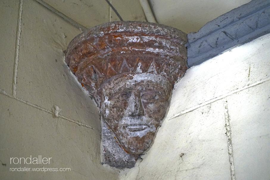 Sant Julià de Palou, Granollers (Vallès Oriental). Mènsula amb una cara.