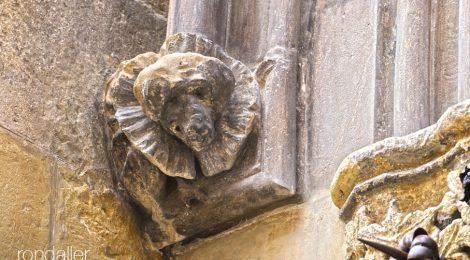 Vilafranca del Penedès. Alt Penedès. Església de Santa Maria. Gòtic. Capitell. Gos