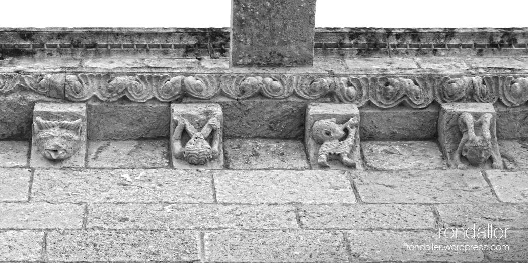 Permòdols romànics de l'església de Sant Martí Sarroca. Alt Penedès.