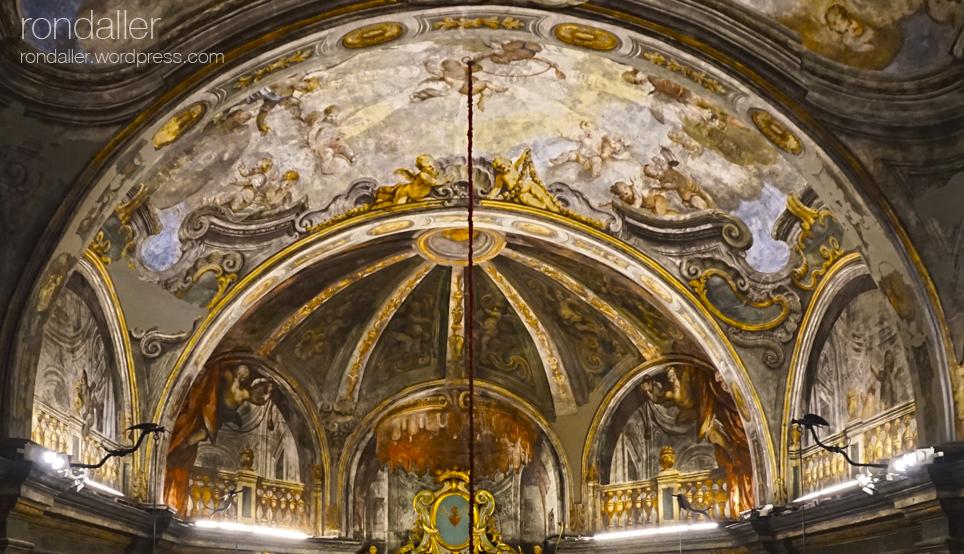 Capella dels Dolors de Mataró. Basílica de Santa Maria. Pintures al sostre.