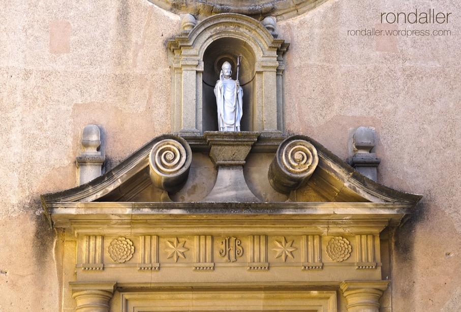 Primer itinerari per Castellterçol (Moianès). Portalada de l'església de Sant Fruitós.