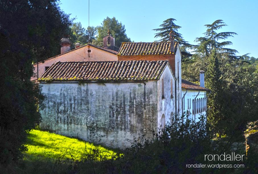 Masia de Can Planes. Ruta prehistòrica per la Roca del Vallès. Vallès Oriental.