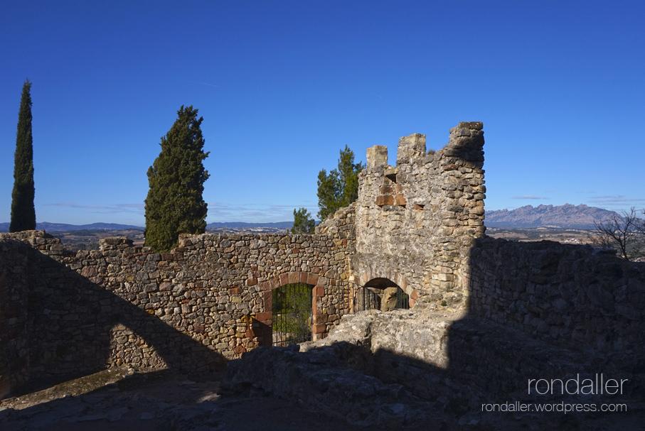 Ruïnes del castell de Gelida, Alt Penedès.