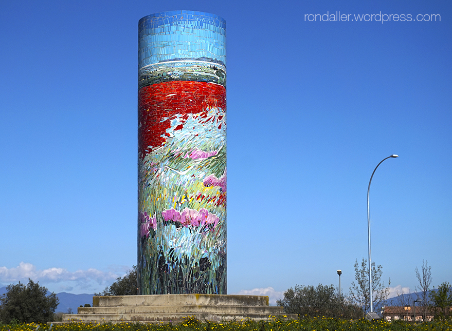 Mosaic Miratge Empordanès de Lluís Roura i Armand Olivé Milian. Vilatenim (Figueres, Alt Empordà).