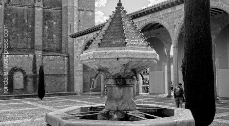 Catelló d'Empúries, font, gòtic, Alt Empordà