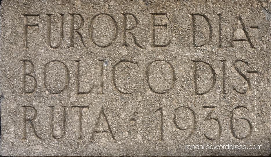 Capella del Sant Crist de Mataró. Inscripció de la destrucció de 1936.