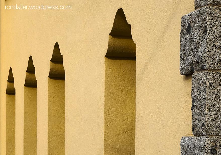 Edificis escolars projectats per Jeroni Martorell a Vilassar de Dalt