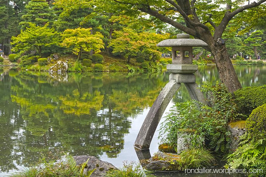 Curiositats del Japó. Jardí de Kenrokuen a Kanazawa.