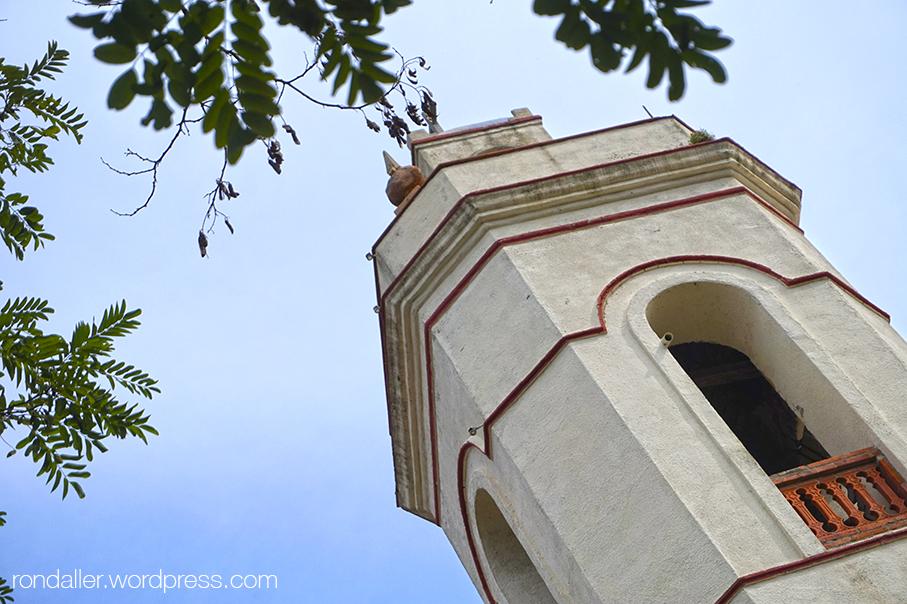 Campanar de l'església de Grions a Sant Feliu de Buixalleu, La Selva.