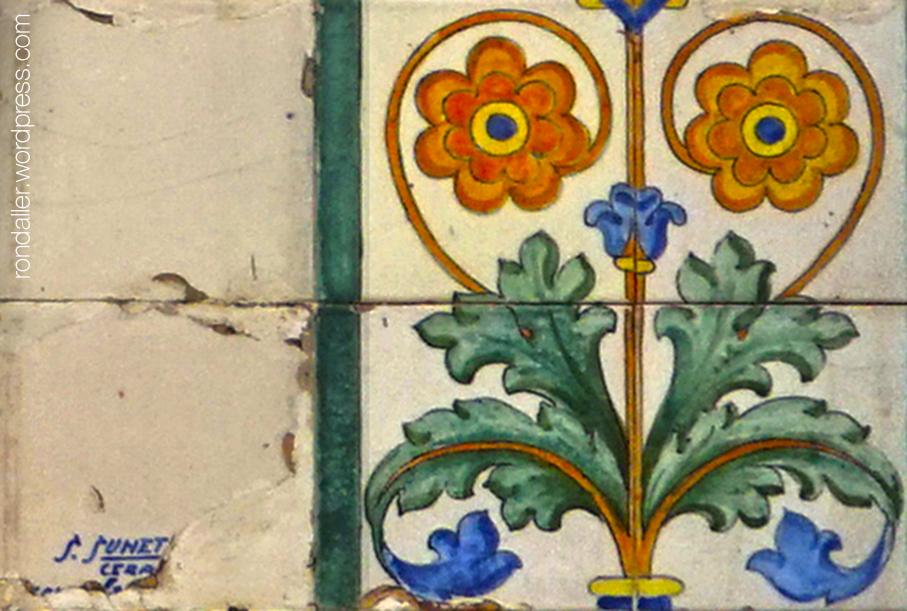 Font de la Travessera de Gràcia. Detall de la signatura de Sunet.