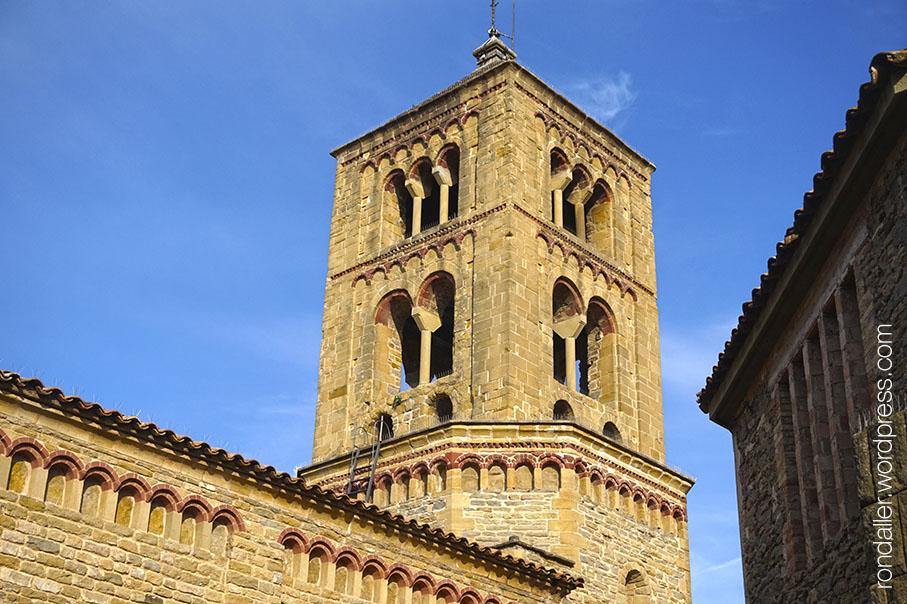 Campanar romànic de Santa Eugènia de Berga, Osona.