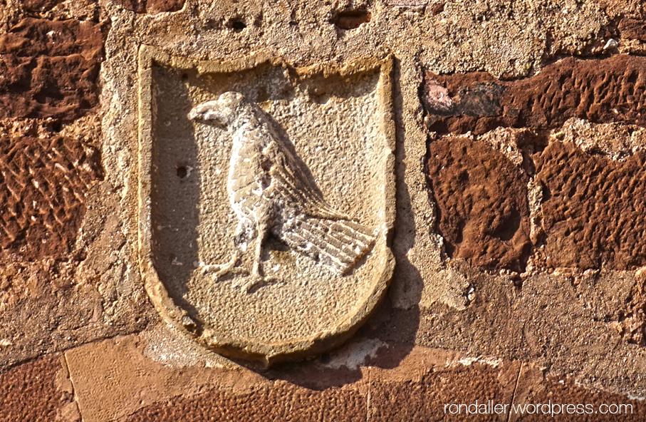 Escut de Corbera de Llobregat al Casal de Santa Magdalena.