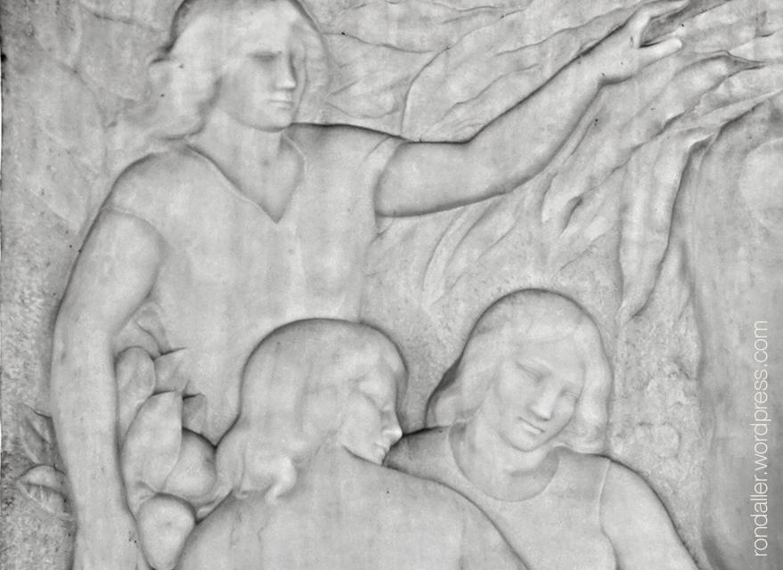 Detall de les Hores al relleu esculpit per Enric Casanovas a l'avinguda Diagonal. Les Corts.