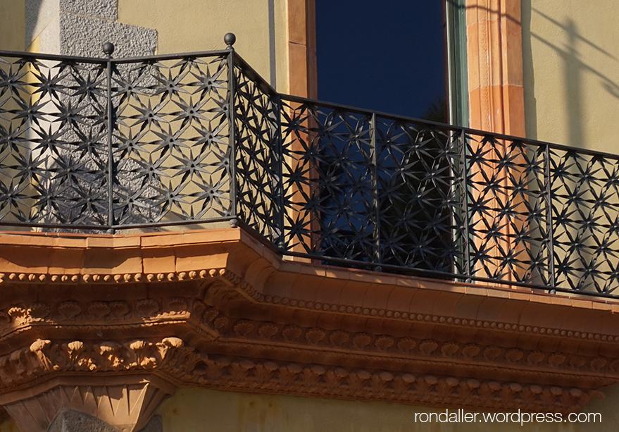 Balcó de la Casa Saladrigas de Blanes, projectada per Isidre Boada, noucentisme