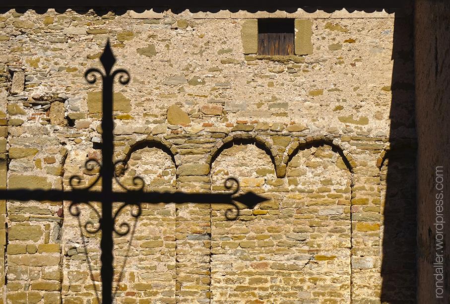 Paret lateral de Sant Martí de Riudeperes, Calldetenes. Osona.
