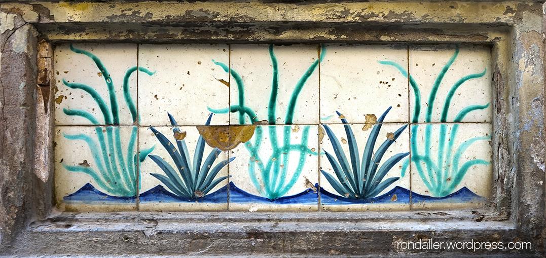 Mosaic representant plantes aquàtiques.