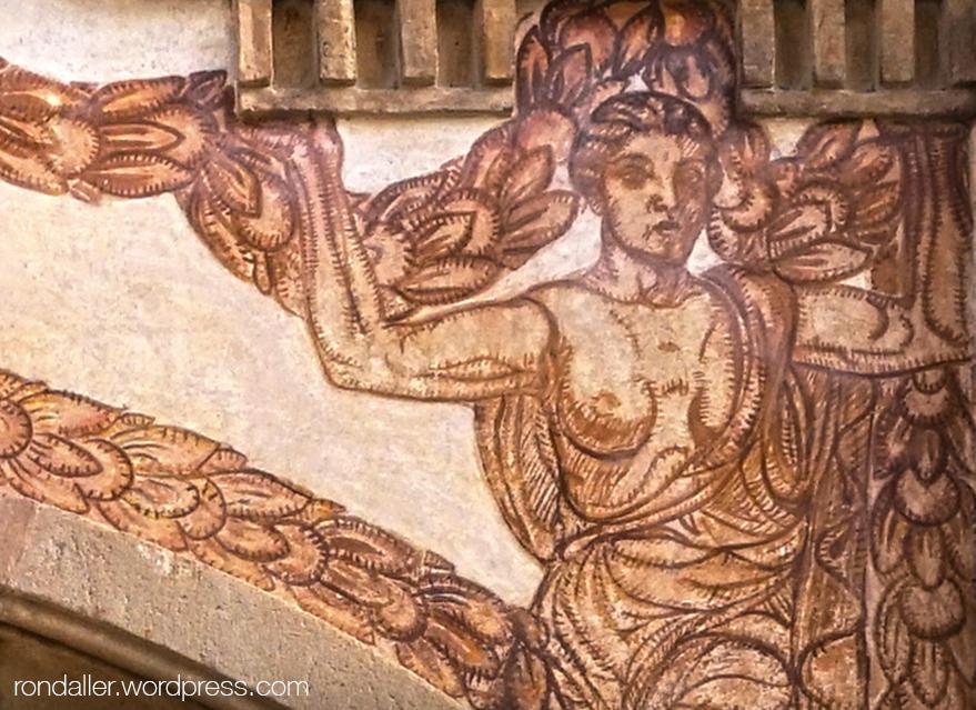 Prado Suburense de Sitges. Cariàtide pintada a la façana.