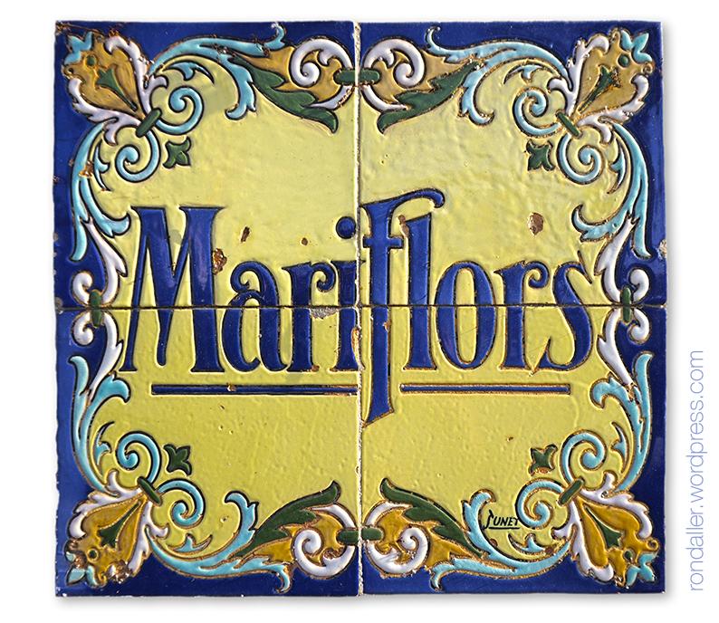 Plafó ceràmic de Sunet amb el nom de Mariflors a Can Plantada a Vilassar de Mar.
