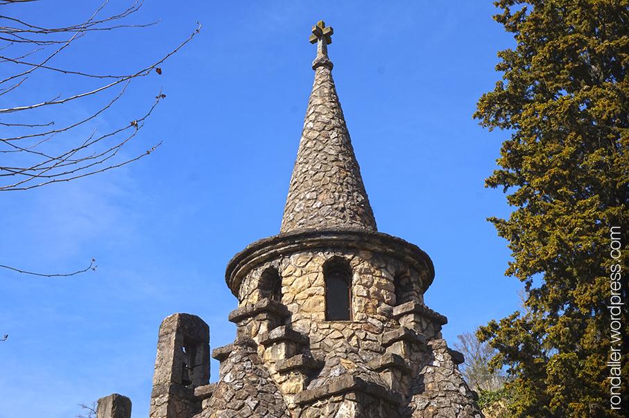 Campanar de Sant Miquel de la Roqueta, Ripoll, Ripollès.