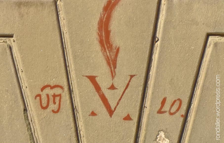 Vítor pintat a la façana de l'església de la Pietat de Vic. Osona