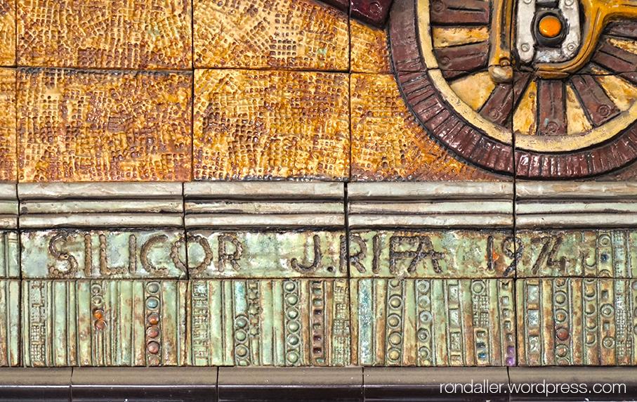 Signatura i data al Mural de Joan Rifà a Mataró.