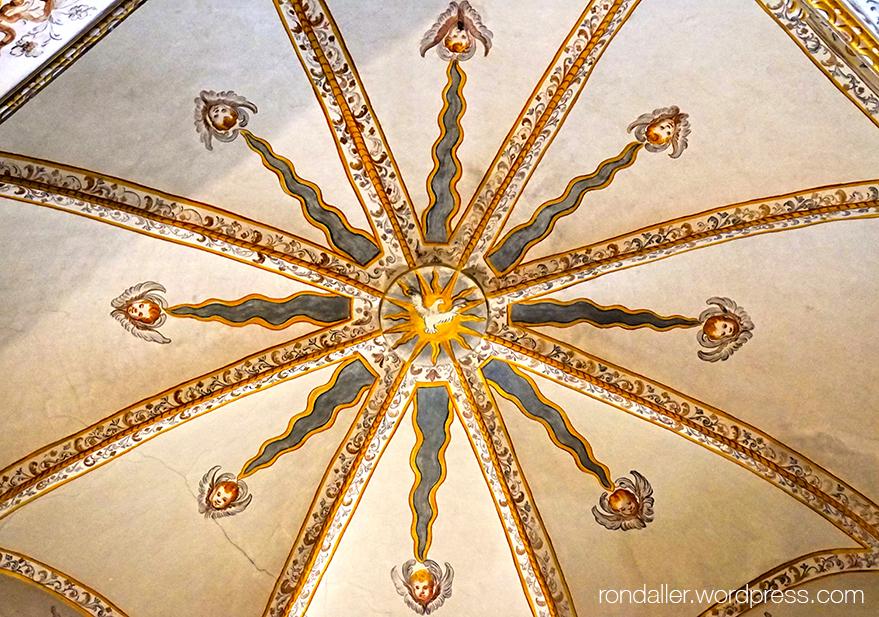 Sostre de la capella de Santa Escolàstica al monestir de Sant Cugat del Vallès.