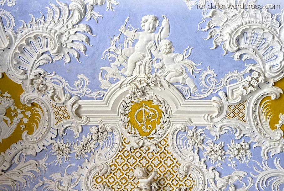 Palau Nacional de Sintra. Relleu decoratiu del segle XVII a la Gruta dels Banys.