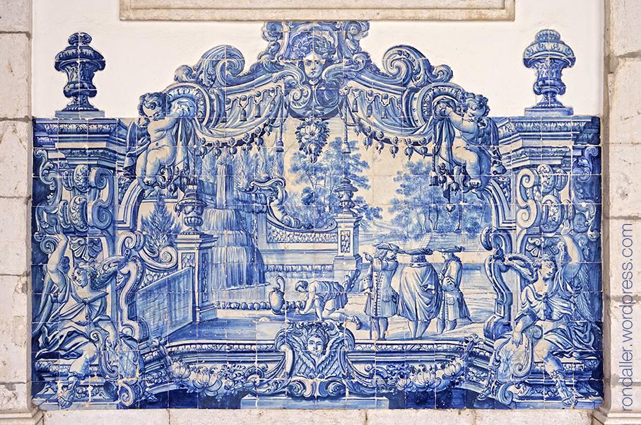 São Vicente de Fora. Plafó ceràmic barroc de tons blaus amb escenes cortesanes.