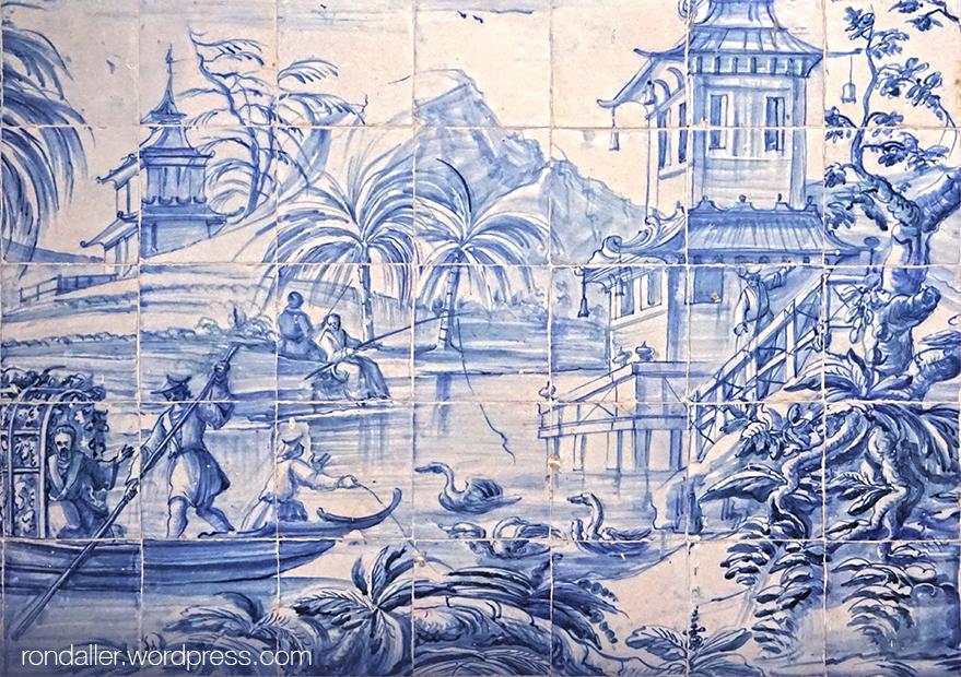 São Vicente de Fora. Plafó ceràmic amb amb pagodes i personatges orientals.