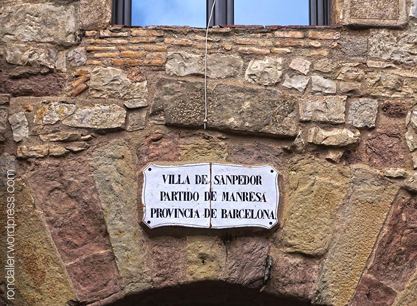 Detall del Portal de les Verges.